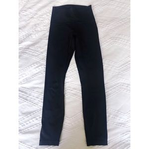 "Lululemon Wunder Under 25"" Leggings in Black - 4"